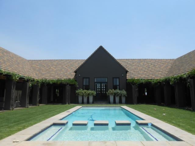 4 Bedroom House for Sale For Sale in Zwavelpoort - Home Sell - MR100856