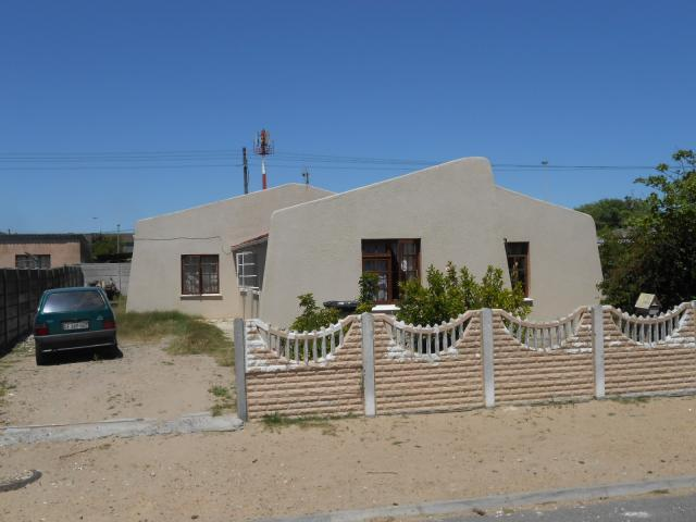 3 Bedroom House for Sale For Sale in Matroosfontein - Home Sell - MR100869