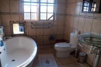 Main Bathroom of property in White River