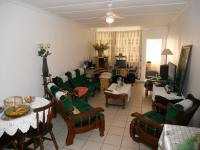 Lounges - 30 square meters of property in Doonside