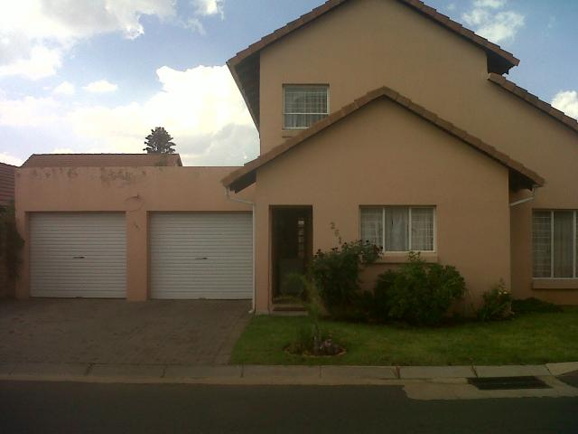 4 Bedroom Cluster for Sale For Sale in Benoni - Private Sale - MR100913
