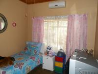 Bed Room 2 - 13 square meters of property in Pretoria Gardens