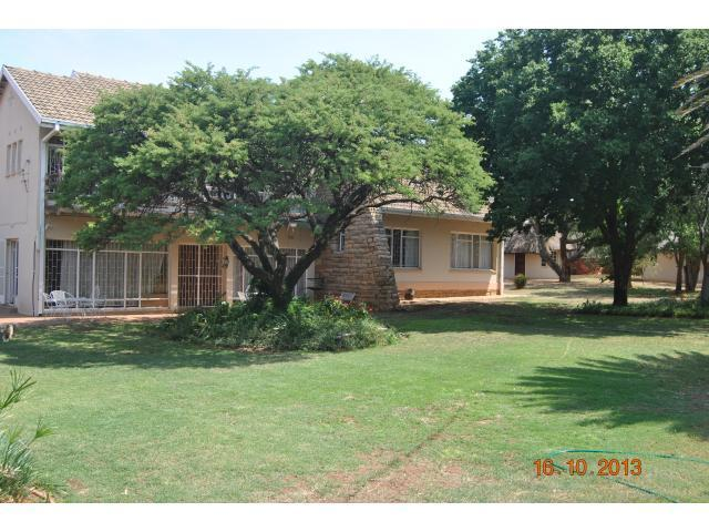 Front View of property in Schweizer Reneke
