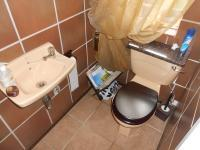 Bathroom 1 - 2 square meters of property in Garsfontein