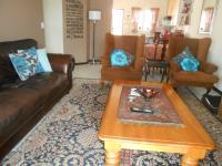 Lounges - 15 square meters of property in Mooikloof Ridge