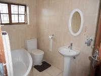 Main Bathroom - 5 square meters of property in Park Hill