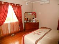 Main Bedroom - 20 square meters of property in Park Hill