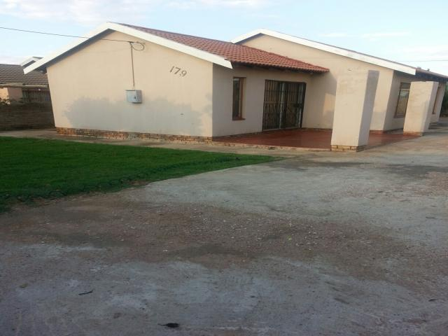 3 Bedroom House for Sale For Sale in Soshanguve - Private Sale - MR101094