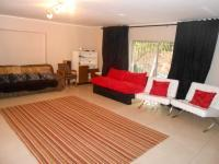 Lounges - 111 square meters of property in Houghton Estate