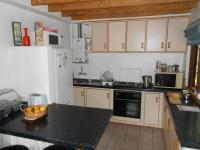 Kitchen - 9 square meters of property in Hermanus