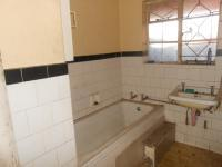 Main Bathroom of property in Delarey