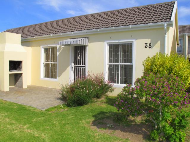 2 Bedroom Sectional Title for Sale For Sale in Gordons Bay - Private Sale - MR101192