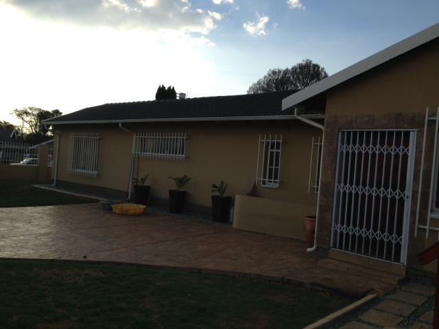 3 Bedroom House for Sale For Sale in Alberton - Home Sell - MR101239
