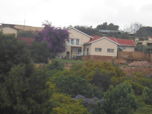 7 Bedroom House For Sale in Kloofendal - Private Sale - MR101264