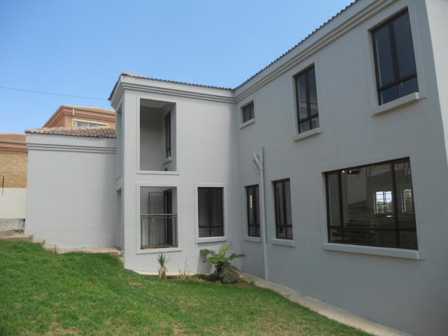 3 Bedroom House for Sale For Sale in Noordheuwel - Home Sell - MR101277