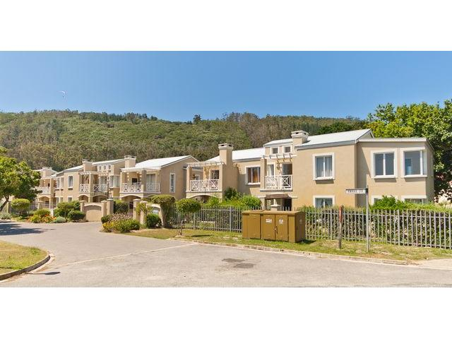 3 Bedroom Apartment For Sale in Sedgefield - Home Sell - MR101405