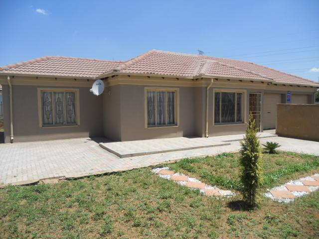 2 Bedroom House For Sale in Capital Park - Private Sale - MR101411