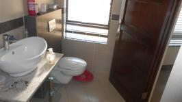 Bathroom 3+ - 16 square meters of property in Blue Valley Golf Estate