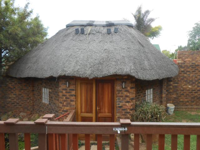 4 Bedroom House For Sale in Radiokop - Home Sell - MR101427