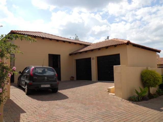 3 Bedroom Cluster for Sale For Sale in Krugersdorp - Home Sell - MR101457