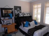 Bed Room 1 - 16 square meters of property in Gordons Bay