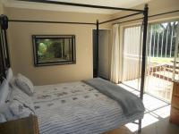 Main Bedroom - 17 square meters of property in Lyttelton Manor