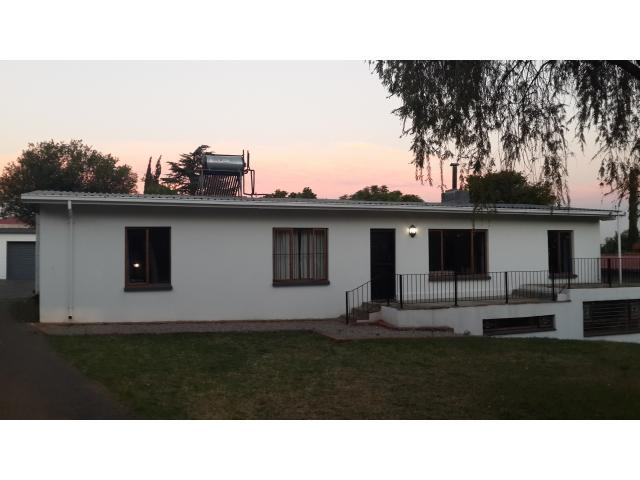 3 Bedroom House for Sale For Sale in Alberton - Home Sell - MR101597