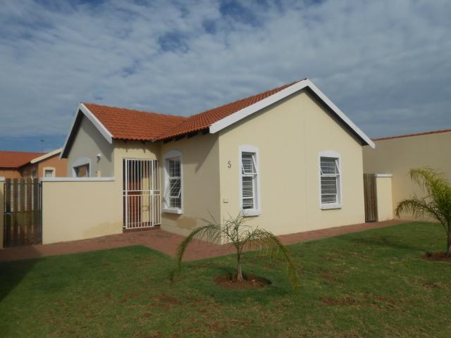 Standard Bank EasySell 2 Bedroom House for Sale For Sale in Brits - MR101602