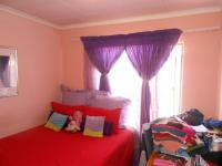 Bed Room 1 - 10 square meters of property in Alveda