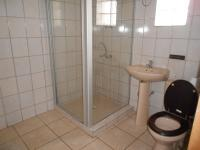 Bathroom 1 - 7 square meters of property in Bosmont