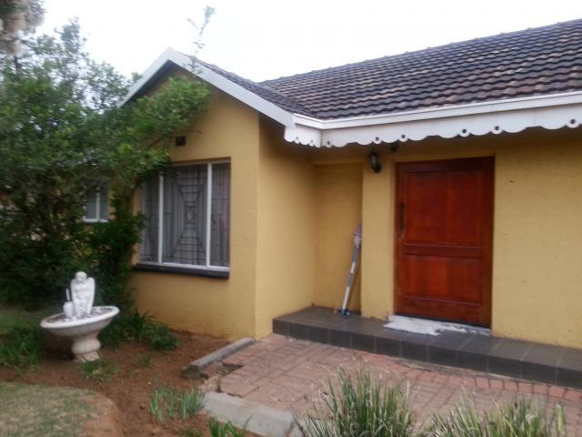 2 Bedroom House For Sale in Crystal Park - Home Sell - MR101639