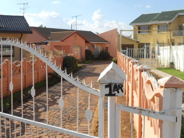 3 Bedroom House for Sale For Sale in Ennerdale - Private Sale - MR101640