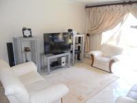 Lounges - 15 square meters of property in Chantelle