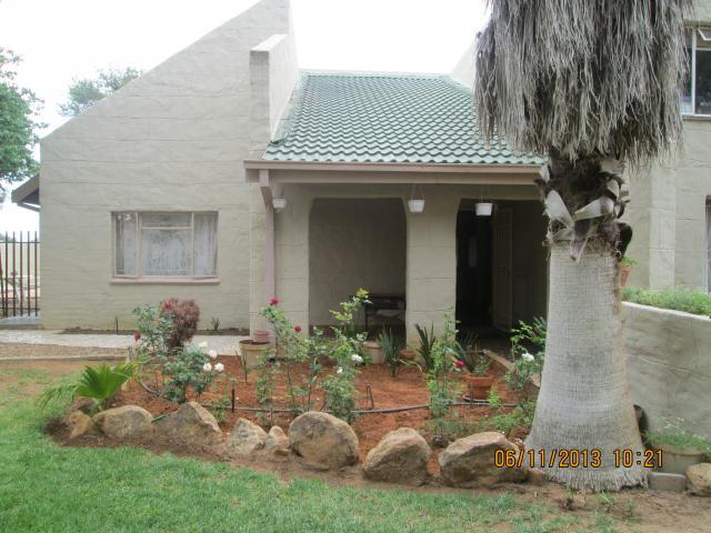 5 Bedroom House for Sale For Sale in Mmabatho - Home Sell - MR101645