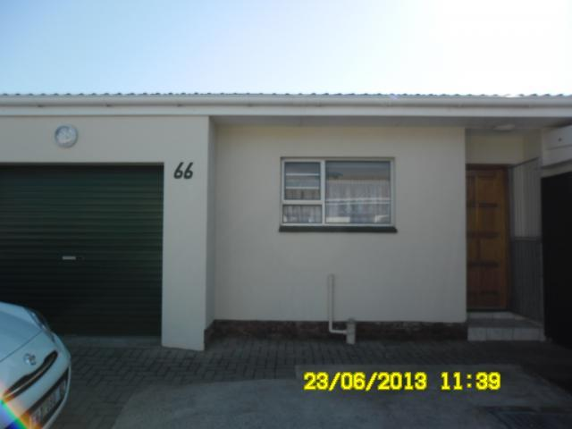 2 Bedroom Sectional Title for Sale For Sale in Gonubie - Home Sell - MR101669