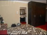 Bed Room 4 - 33 square meters of property in Greenhills