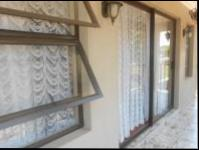 Balcony - 17 square meters of property in Greenhills
