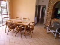 Lounges - 85 square meters of property in Dalpark