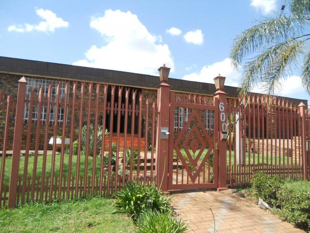 4 Bedroom House for Sale For Sale in Laudium - Private Sale - MR101703