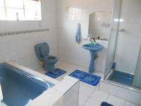 Main Bathroom - 8 square meters of property in Laudium