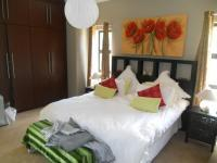 Bed Room 1 - 26 square meters of property in Clubview