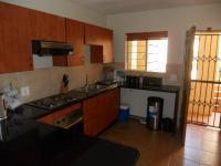 Kitchen - 10 square meters of property in Clubview