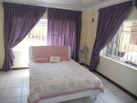 Main Bedroom - 16 square meters of property in Laudium