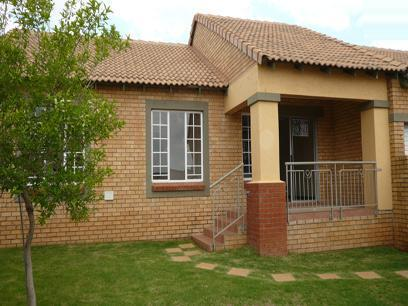 3 Bedroom Simplex for Sale For Sale in Mooikloof - Home Sell - MR10175