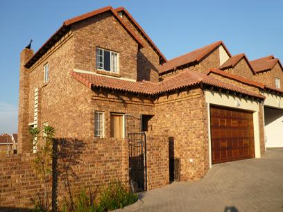 3 Bedroom Duplex for Sale For Sale in Stone Ridge Country Estate - Home Sell - MR10179