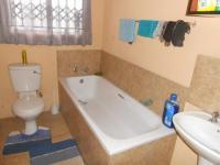 Main Bathroom - 18 square meters of property in Pretoria North