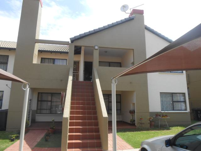 3 Bedroom Sectional Title for Sale For Sale in Glenanda - Home Sell - MR101805