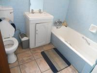 Bathroom 1 - 5 square meters of property in Kilner park