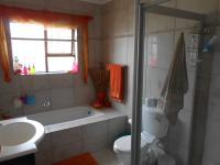 Bathroom 2 - 6 square meters of property in Durbanville