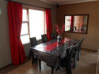 Dining Room - 21 square meters of property in Durbanville
